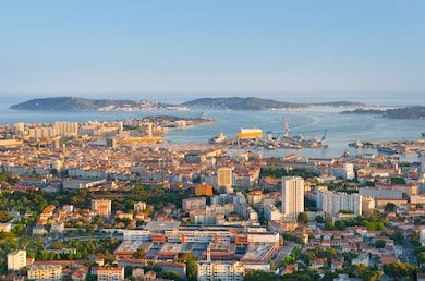 cityscape-toulon-sunset-time-260nw-489177724
